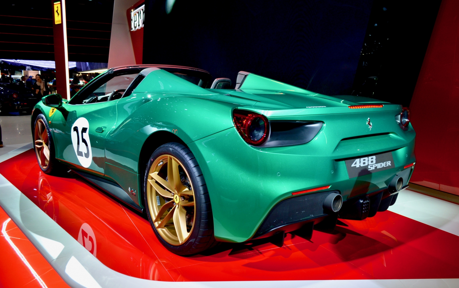 ferrari-488-spider-green-jewel